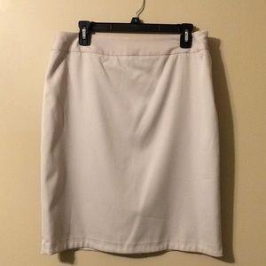 Anne Klein cream skirt